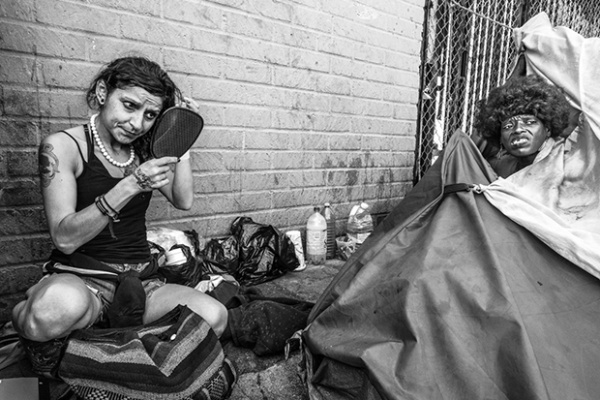 El trauma de la vida en Skid Row en impactantes fotografías