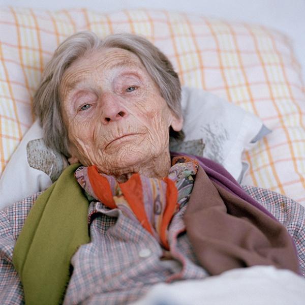 Poderosos retratos de vida (y muerte) en una residencia de paliativos