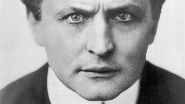 El ilusionismo llega a Madrid de la mano mágica de Houdini