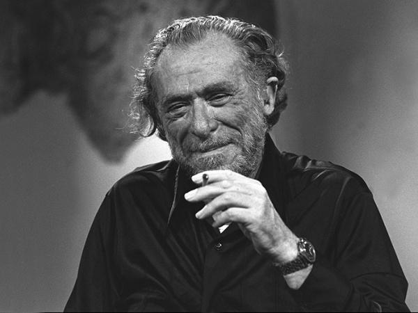 Aire, luz, tiempo y espacio no tienen nada que ver con la creación artística: adaptación gráfica del poema de Bukowski