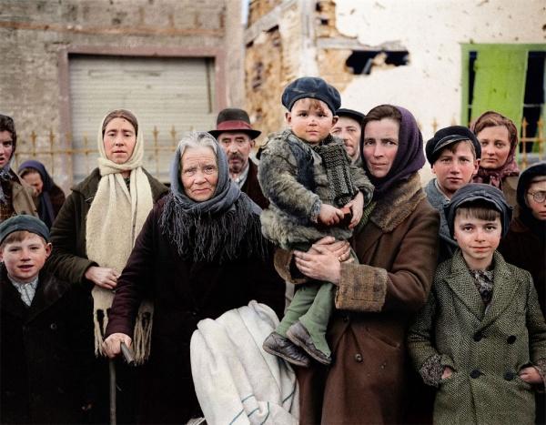 Impresionates fotos de refugiados en color durante la II Guerra Mundial