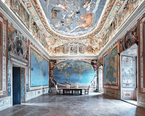 Viaje a los fascinantes interiores de edificios de la mano de David Burdeny