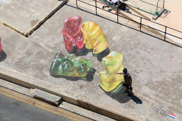 Gominolas gigantes de arte urbano