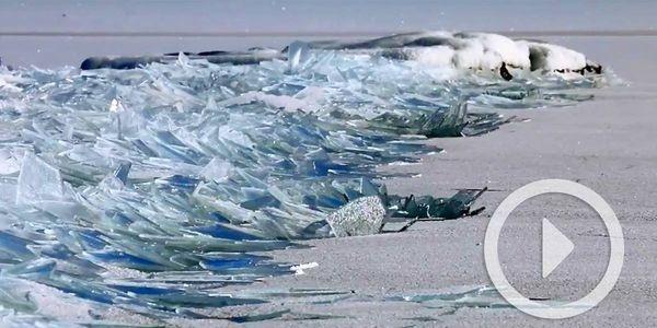 Cómo la superficie congelada del lago Superior se rompe formando infinidad de fragmentos que parecen cristales