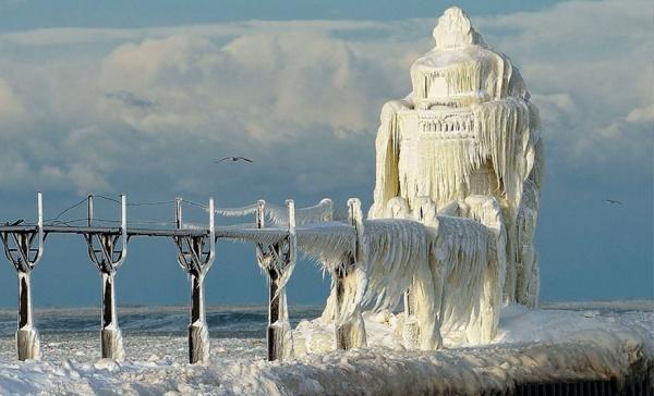 Paisajes con y sin nieve que muestran la belleza del invierno