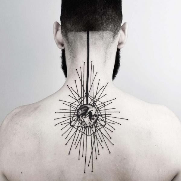 20 tatuajes geométricos y minimalistas de Malvina Maria