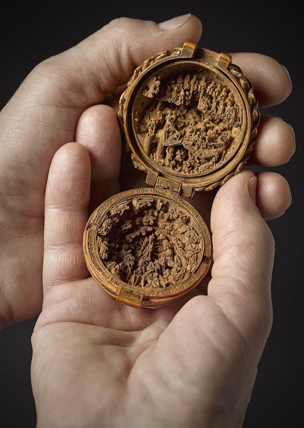 Exquisitas miniaturas góticas del siglo XVI talladas en madera