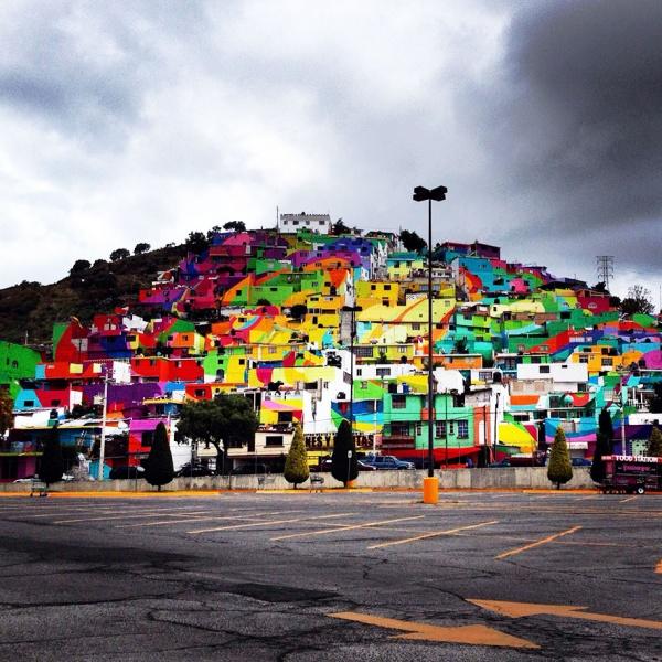 Un mural que ocupa un pueblo entero de México